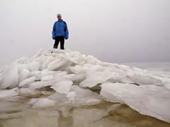 Kruiend ijs IJsselmeer (NLHank) Tags: winter holland ice netherlands friesland ijsselmeer 2010 ijs februari kust warns schotsen oudemirdum ijsschotsen gaasterlan ijsselmeerkust kruiend