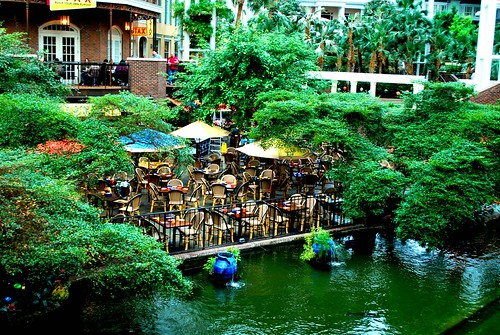 Opryland Hotel River and Umbrellas