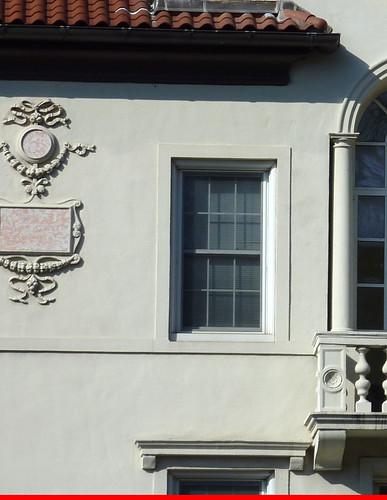 P1000629-2010-02-07-Shutze-Emory-Harris-Hall-East-Facade-Finial-Plaque-Detail