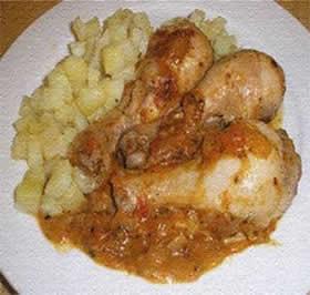 Pollo en salsa de maní