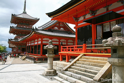 Kiyomizu-dera (清水寺)