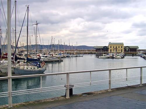Puerto deportivo de Gijón, de Antonio Barreiro