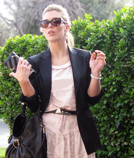 Tom Ford Sunglasses Burberry Wallet Ferragamo Bag 2