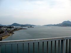 2546 View from Ikuchi Bridge (mari-ten) Tags: sea mountain nature japan cycling hiroshima  2008 onomichi roadway setoinlandsea eastasia  shimanami   18  200804  20080402 ikuchibridge seishun18travel