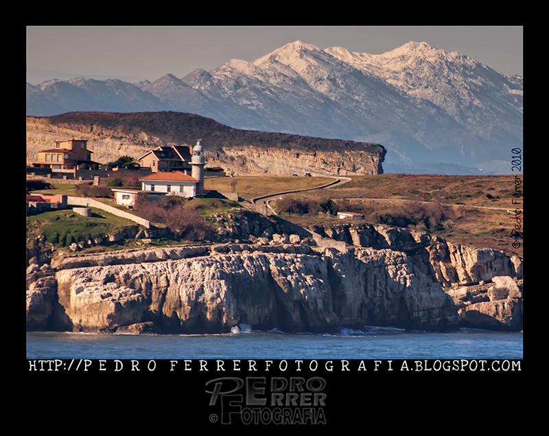 Mar y montaña - Faro de Suances (recorte)