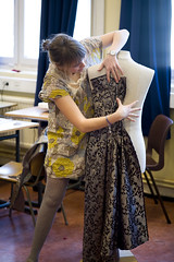 Husflid og håndarbeid - Søm av kostymer på Kattateatret