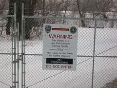 sign (Ruin Raider) Tags: minnesota sign training warning fence gate uofm donotenter notrespassing gow ulands umorepark