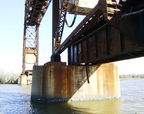 Truss Railroad Lift Bridge over Cedar Bayou, south of Spur 55, Baytown, Texas 0228101523