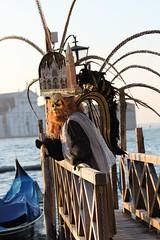 Carnaval de Venise 2010 (Cl. B.) Tags: venice veneza carnaval venecia 2010  veneti venecija venetsia veneetsia carnavalvnitien carnavaldevenise     veneia   carnevaledivenezia2010 carnavaldevenise2010 venetianscarnival2010 2010 karnevalvonvenedig2010 karnevaluveneciji2010 falkmaske