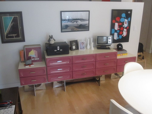 Chest of drawers and night tables