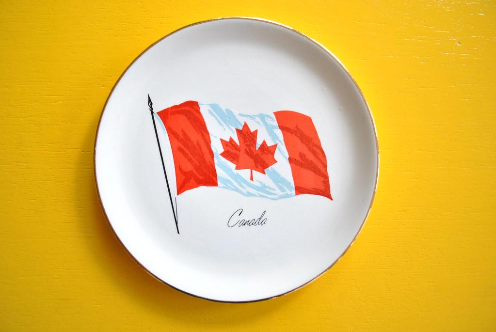 Vintage Canadian Flag Plate