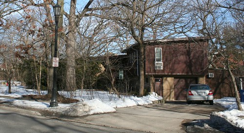 207 N. Burnham Place / Sheridan Road