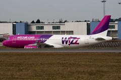 HA-LWA - 4223 - Wizzair - Airbus A320-232 - Luton - 100308 - Steven Gray - IMG_7890