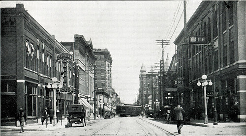 Fourth Street looking east - sometime before 1913.