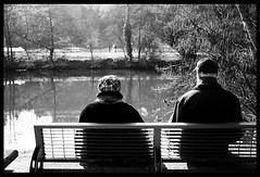 Pause hivernale (tany_kely) Tags: old winter light people urban blackandwhite bw woman sun white man black water river bench lumix soleil couple eau noir break quiet noiretblanc lumire femme dordogne rivire nb panasonic sit pause blanc perigueux banc assis vieux homme fleuve urbain aquitaine gf1 hivernal tranquilles