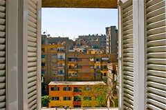 (1085) View from the window (unicorn 81) Tags: voyage africa travel color sahara pool trekking hotel colorful northafrica egypt palm adventure cairo egyptian egipto 2009 giza gypten egitto excursion egypte reise egypten rundreise roundtrip egipt gypte mapegypt kairo fensterblick misr nordafrika egypttrip april2009 gypten aegyptus  gyptusintertravel gyptenreise schulzaktivreisen photo10011500