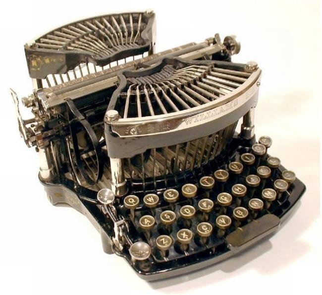 typewriter_17