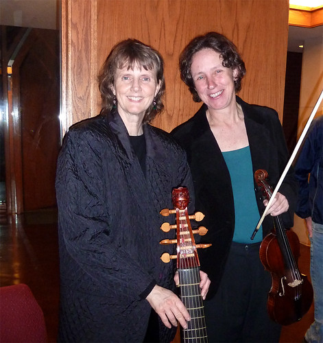 P1010279-2010-03-20-Smith-Chapel-Agnes-Scott-Gail-Ann-Schroeder-viola-da-gamba-Gesa-Kordes-violin