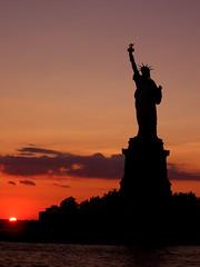 Llibertat (New York) (XAVI ZAMORA) Tags: libertad puestadesol