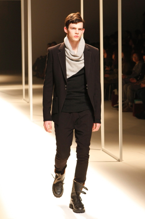 Tom Nicon3151_FW10_JFW_THE INDIVIDUALIST