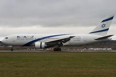 4X-EAD - 22975 - El Al Israel Airlines - Boeing 767-258ER - 100331 - Luton - Steven Gray - IMG_9209