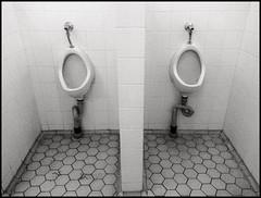 (Mann-ist-0) Tags: blackandwhite bw white black helsinki urinal urinals niksilverefexpro