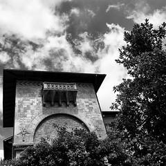 Il balcone (Francesco Saverio Fienga) Tags: bw 20d canon square balcony bn napoli quadrato balcone frontage facciata 500x500 francescosaveriofienga theauthorsplaza theauthorsclub
