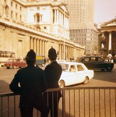 1974 London 008 (jens.lilienthal) Tags: london england gb greatbritain unitedkingdom uk 1974 70s 1970s seventies police officers policeman
