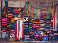Tpico puesto Mexicano (Musphay) Tags: mexico colores sombrero rivieramaya caribe mantas
