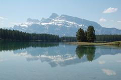 392 Two Jack Lake &  Mt Rundle (Ayenne) Tags: lake canada rockies rundle