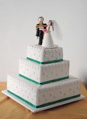 Casamento (Confetti & Cupcakes) Tags: verde branco cupcakes pasta confetti americana bolo casamento drika noivos novaes gostosos decorados confettiecupcakes
