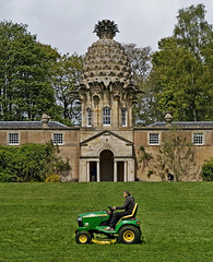 architecture gardening stirling pineapple trimming folly johndeere mowing airth blip grasscutting blipfoto
