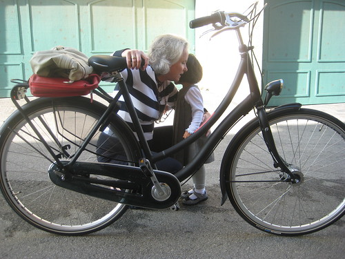 A quick hug before heading off to work on a Batavus Breukelen on Bike To Work Day on May 20, 2010.