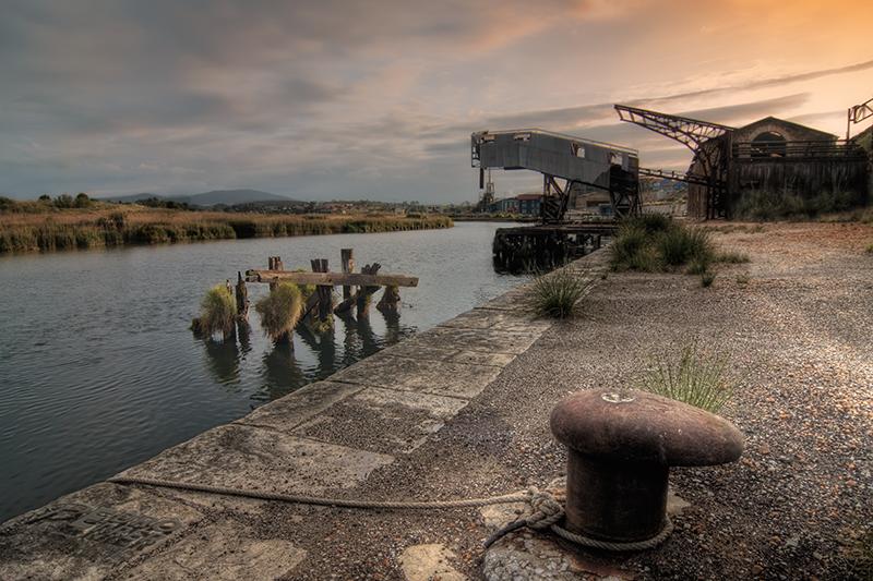 Asturiana de Zinc - Antiguo cargadero en fábrica Hinojedo