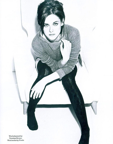kristen-stewart-uk-elle-july-2010-1