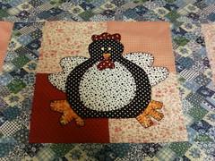trilho galinhas II (Juntando Retalhos by Raquel Faleiro) Tags: galinha patchwork trilho aplicao