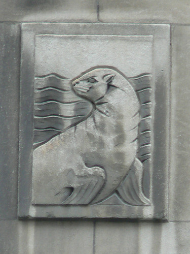Holt Renfrew Seal, Montreal