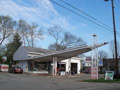 OH South Lebanon - John's Auto Service (scottamus) Tags: old ohio station vintage gas service phillips66 southlebanon warrencounty johnsautoservice