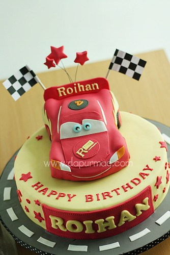 McQueen 3D Cars Cake - Roihan