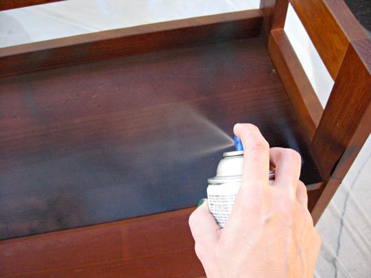 spray painting wood shelves