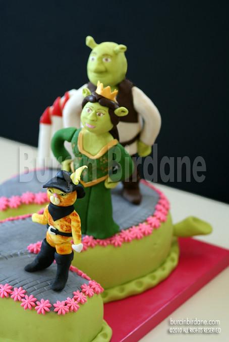 Shrek Cake 1