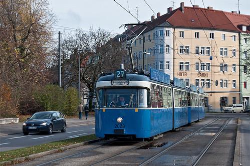 In wenigen Augenblicken kommt P-Wagen 2028 an der Haltestelle St.-Martins-Platz zu stehen