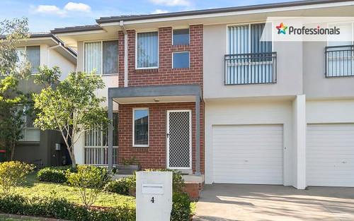 4 Northampton Drive, Glenfield NSW