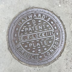 HAYWARD'S COALPLATE GLOUCESTER STREET PIMLICO (xxxxheyjoexxxx) Tags: coalplate coal plate iron shute vintage cover opercula plates coalplates lid lettering foundry london pimlico