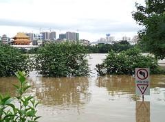 Liuzhou/柳州 20170702_180517 (Petr Novák (新彼得)) Tags: 洪水 水 flood water river city 城市 河 柳江 中国 china čína 广西 guangxi 亚洲 asia asie 柳州 liuzhou