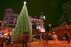 Madrid en Navidad (chasquito el roncoso) Tags: christmas light people colors night luces noche flickr gente nikond70 centro sigma colores estrellas merry 1020mm cines callao cristmas mainsquare abigfave thebestofday gnneniyisi madridennavidad nikonflickraward lickraward willyllus