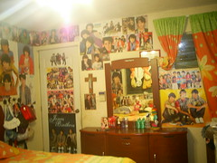 Jonas Room 3/4 (Asdette) Tags: light hot cute adam colors lines wall magazine bag giant poster square joseph paul star mirror big vines doll kevin little brothers room tiger revista nick jerry young adorable revistas super joe trying plush nicholas again purse gift 09 posters beat huge 17 times jb premiere magazines jonas bros 2008 ti hang adore 2009 por 07 08 2007 bop popstar sized obssession jobros monstered
