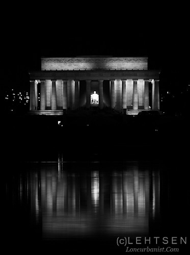 Low Light Black and White Photo of the Lincoln Memorial