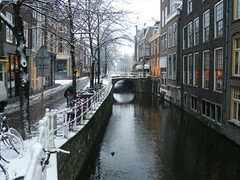 Wijnhaven, Delft (crwilliams) Tags: snow netherlands delft date:month=december date:day=17 date:year=2009 date:wday=thursday date:hour=08