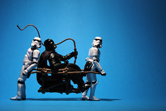 Carbon-free transport (Stfan) Tags: toy actionfigure starwars seat stormtroopers transport whip stormtrooper darthvader figurine slavery jouet sige hasbro darkvador porteur fouet stormtroopers365